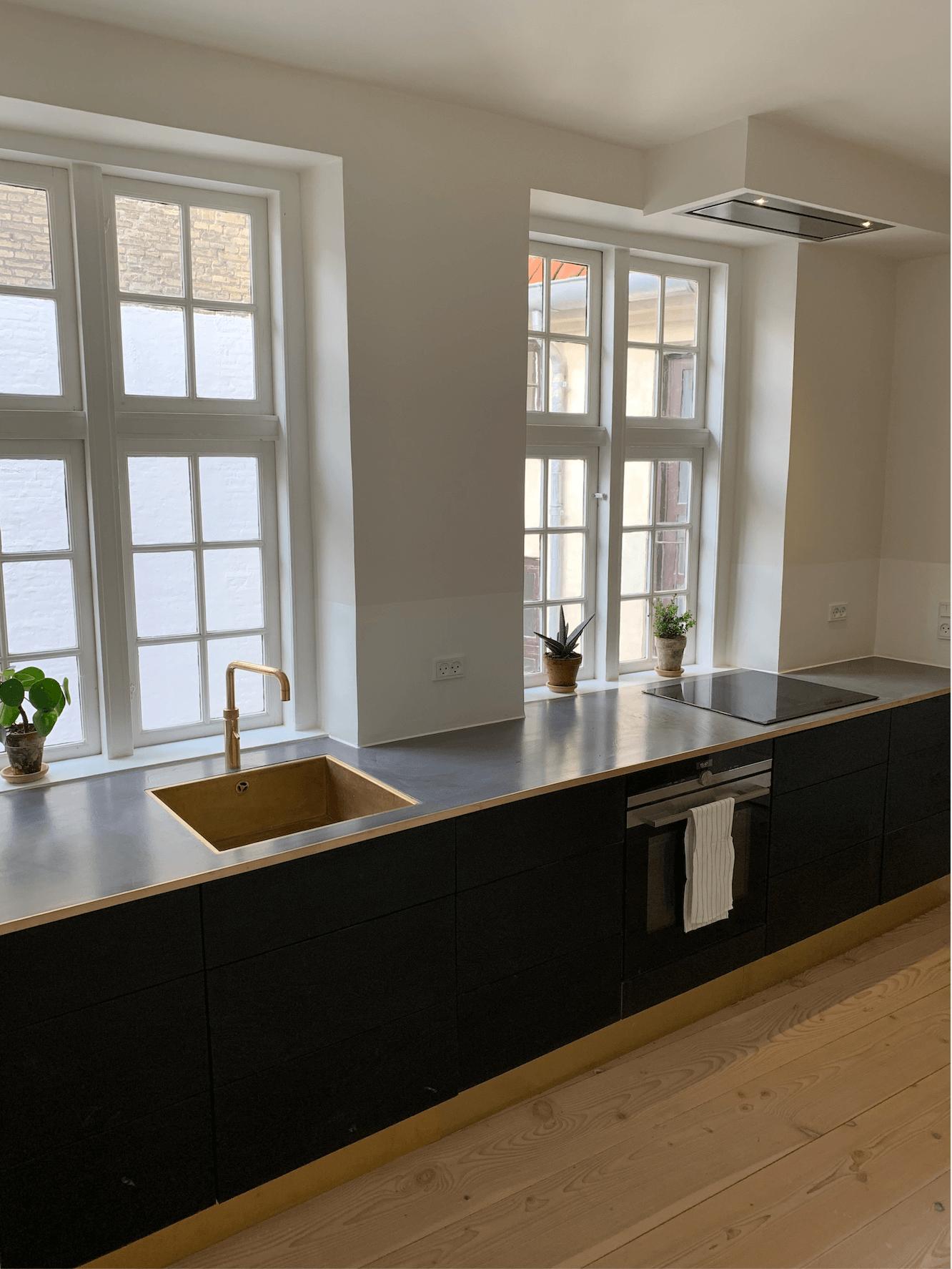 renovering af fredet ejendom Fiolstræde køkken efter 1